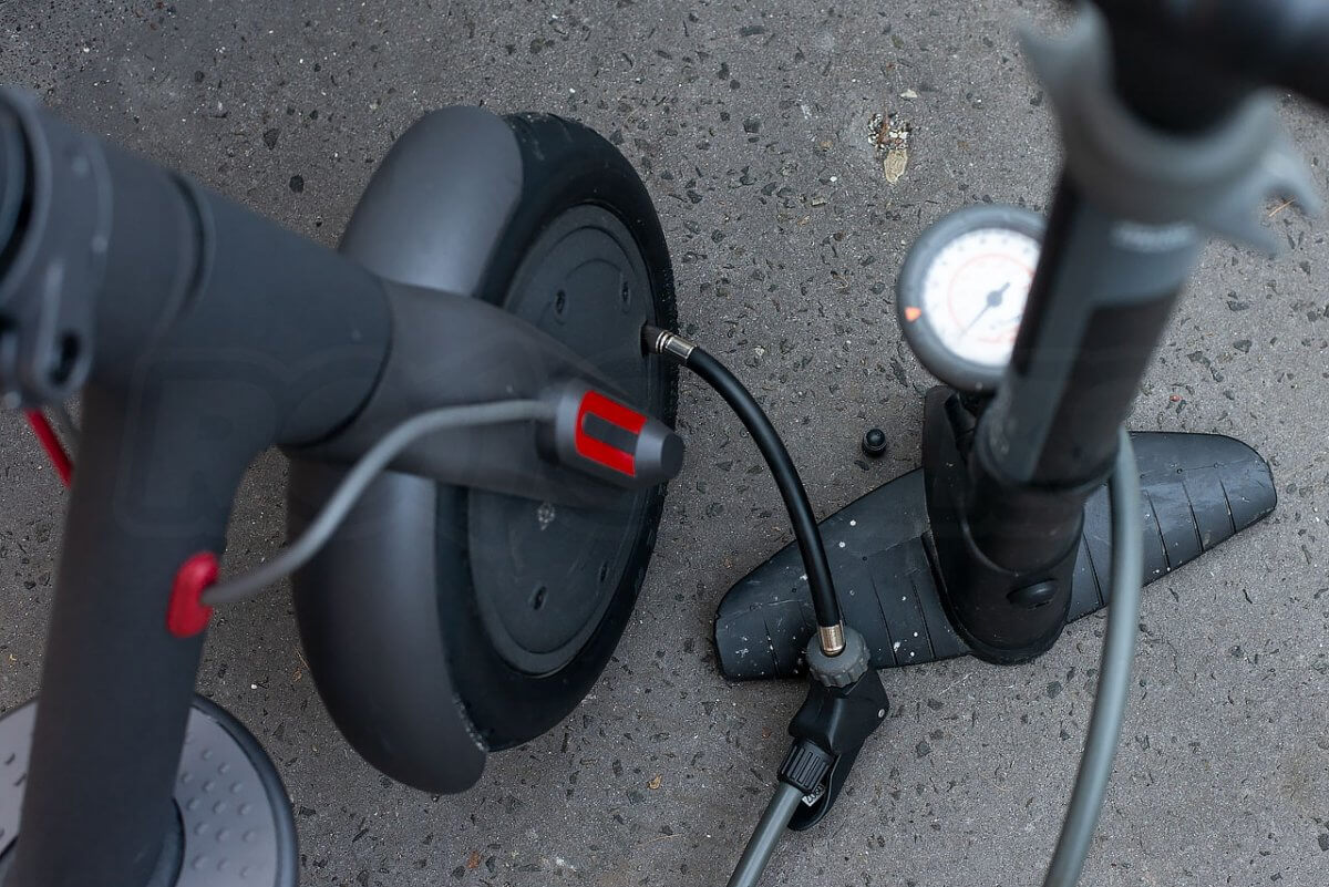 Mi Electric Scooter tyre pressure