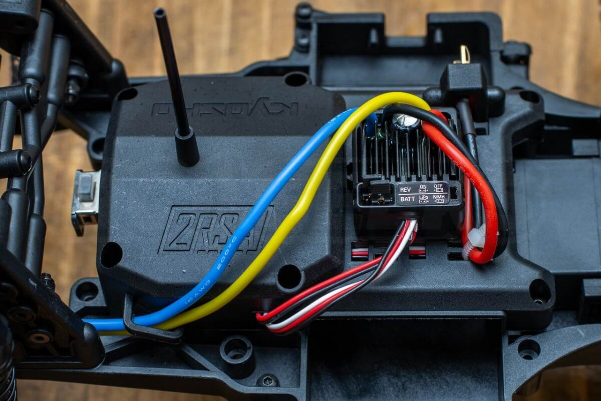 Kyosho Outlaw Rampage Review chassis electronics
