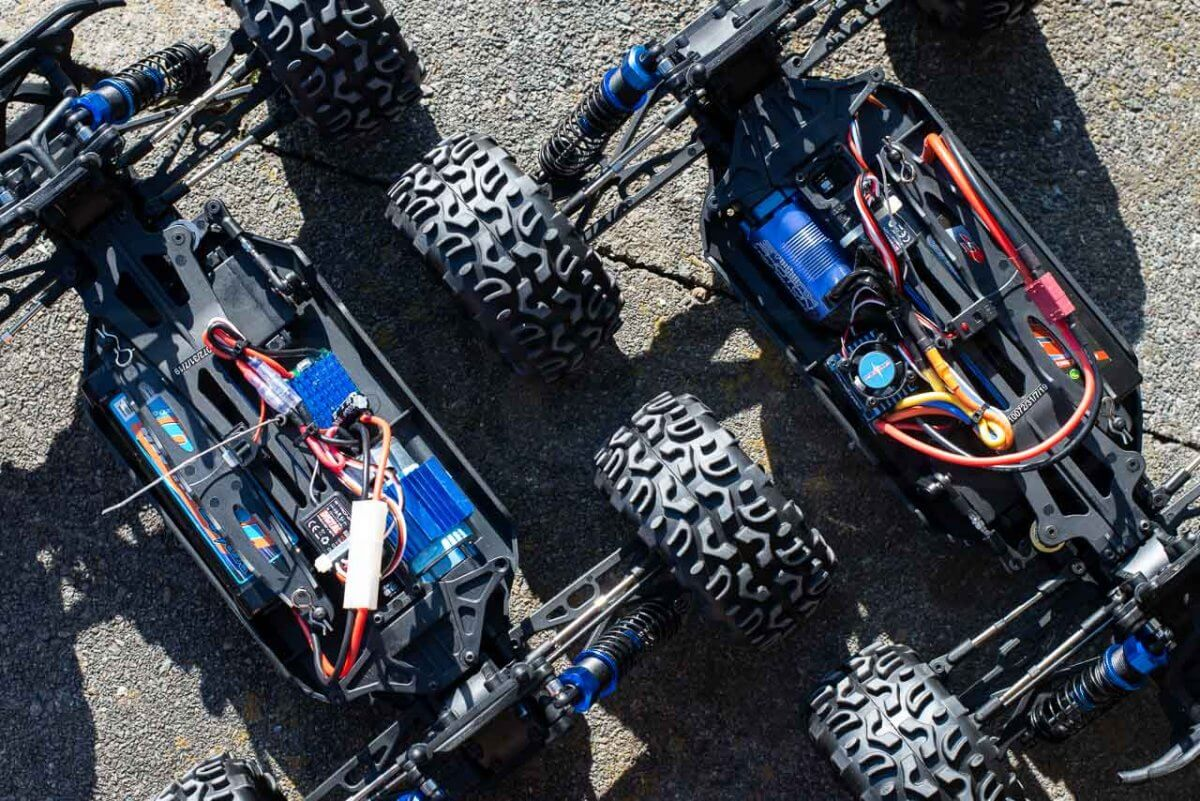 FTX Carnage Brushed versus Brushless comparison chassis