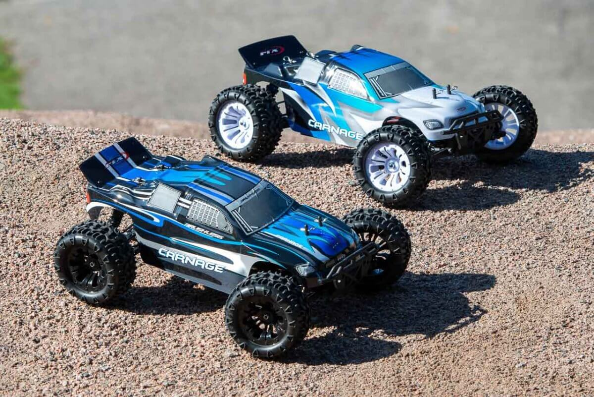 FTX Carnage Brushed versus Brushless comparison of cars front