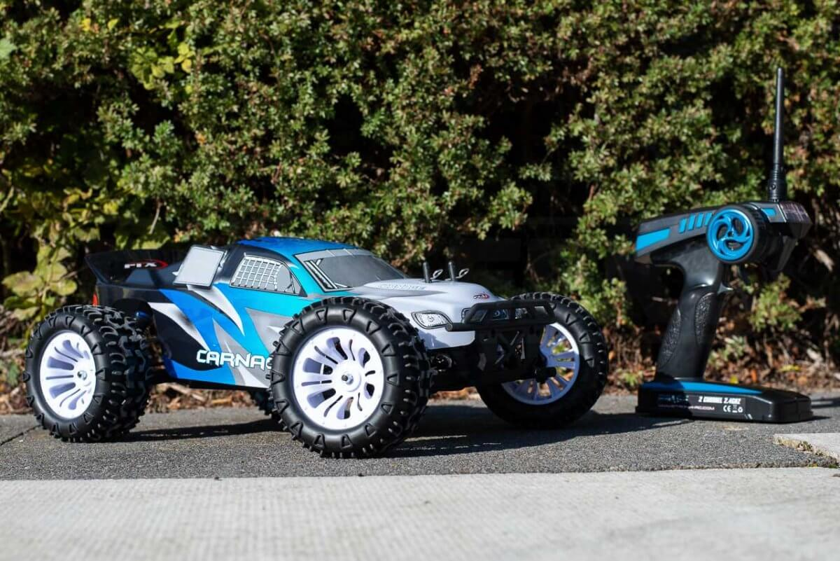 FTX Carnage Brushed versus Brushless comparison review brushed car with transmitter low