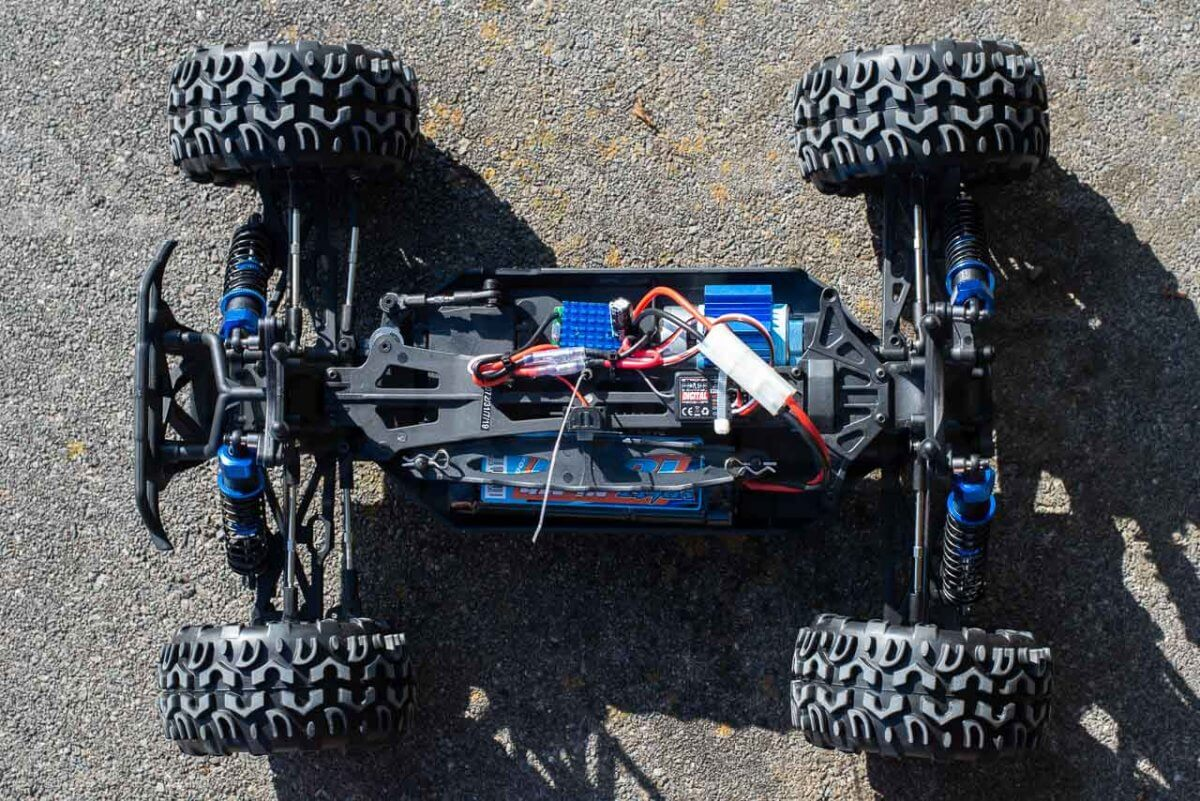 FTX Carnage Brushed versus Brushless comparison review brushed chassis top