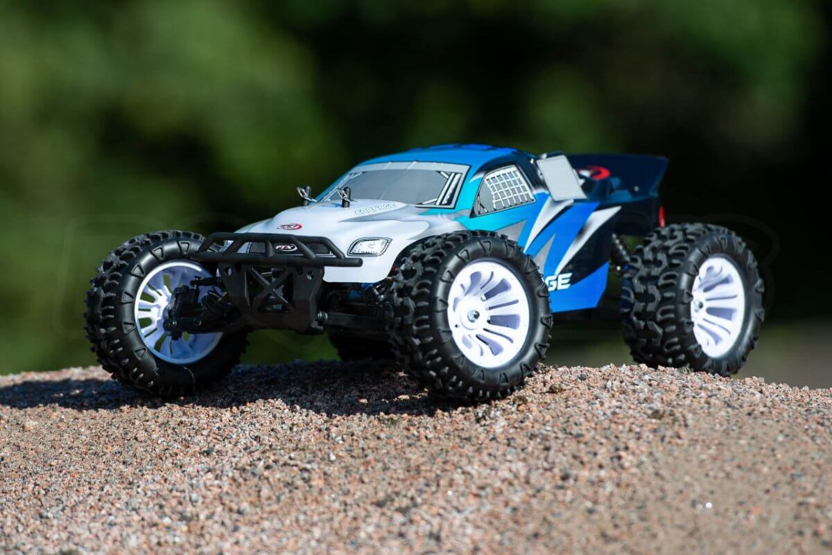 FTX Carnage Brushed versus Brushless comparison review brushed front