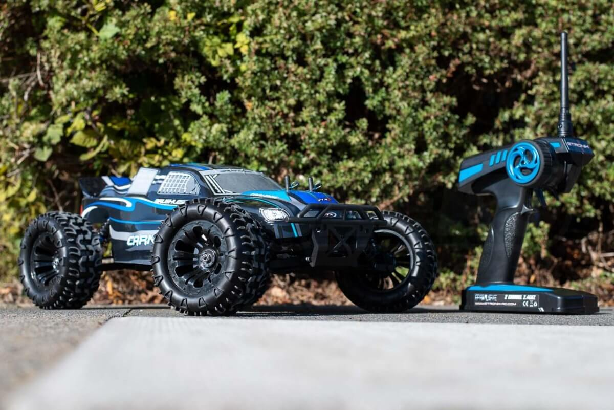 FTX Carnage Brushed versus Brushless comparison review brushless car with transmitter low