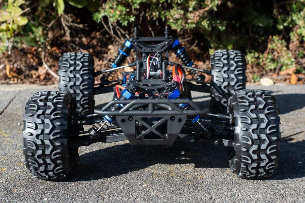 FTX Carnage Brushed versus Brushless comparison review brushless chassis front