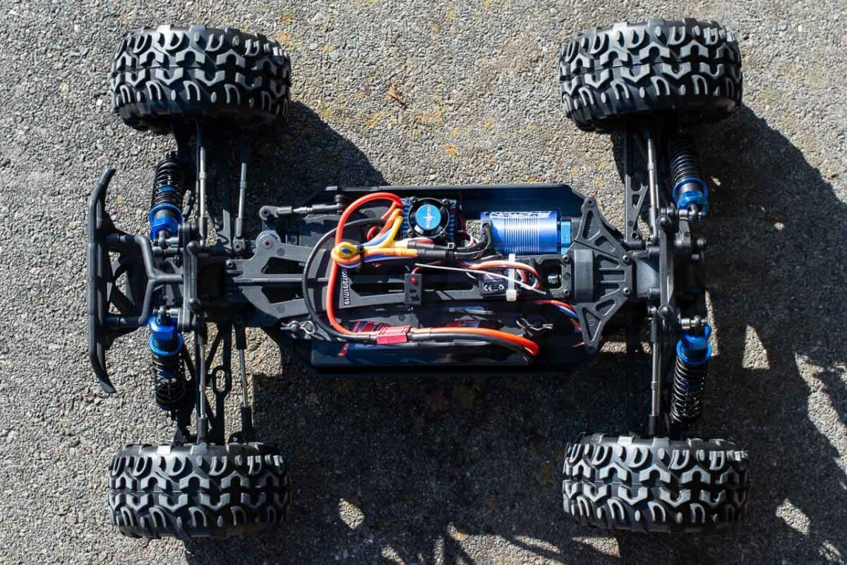 FTX Carnage Brushed versus Brushless comparison review brushless chassis top