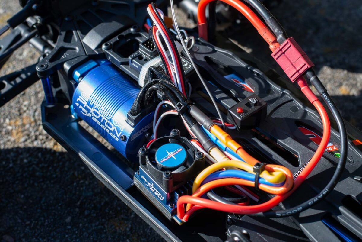 FTX Carnage Brushed versus Brushless comparison review brushless electronics