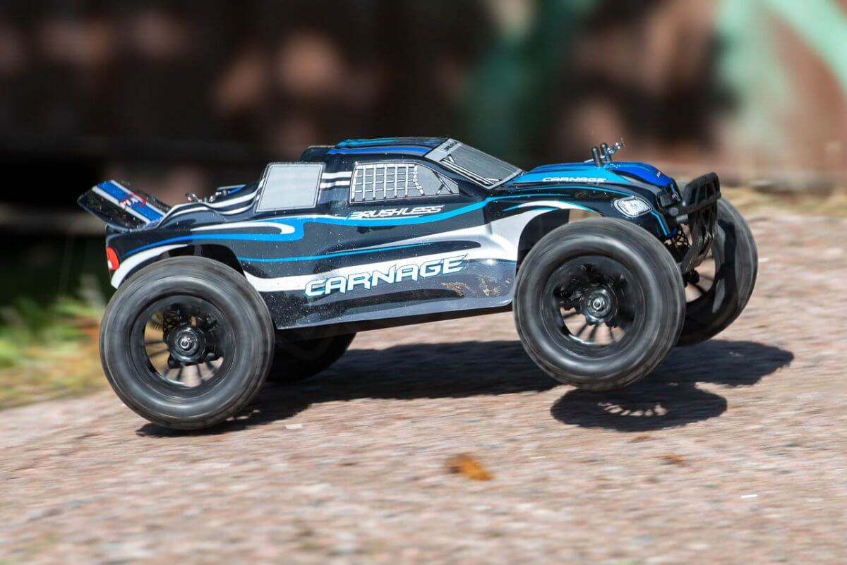 FTX Carnage Brushed versus Brushless comparison review brushless jump takeoff
