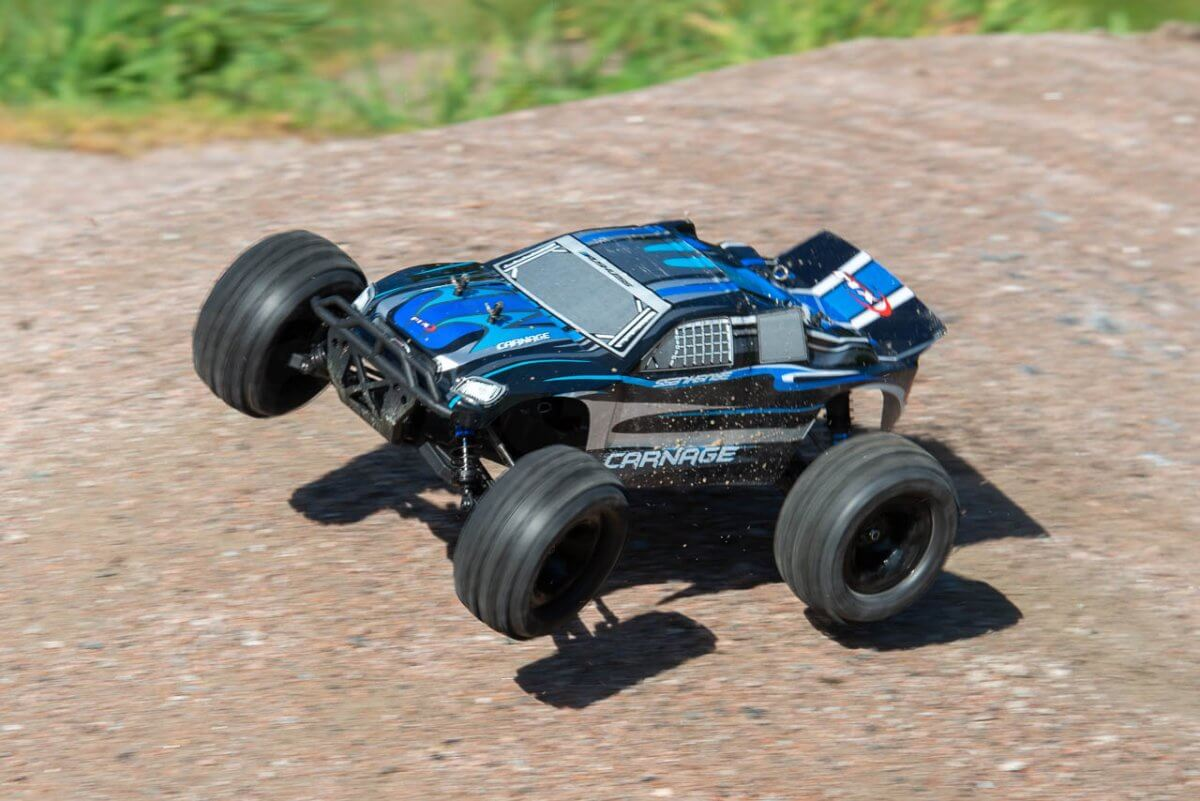 FTX Carnage Brushed versus Brushless comparison review brushless launch steer