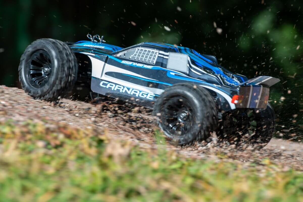 FTX Carnage Brushed versus Brushless comparison review brushless loves to skid