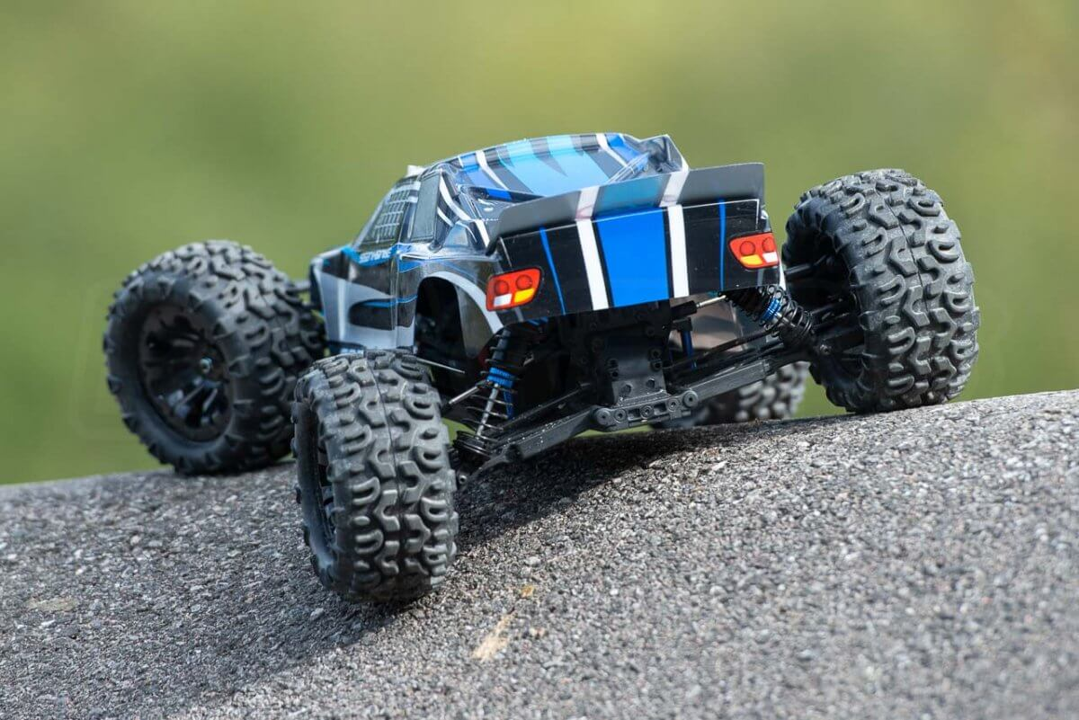 FTX Carnage Brushed versus Brushless comparison review brushless rear