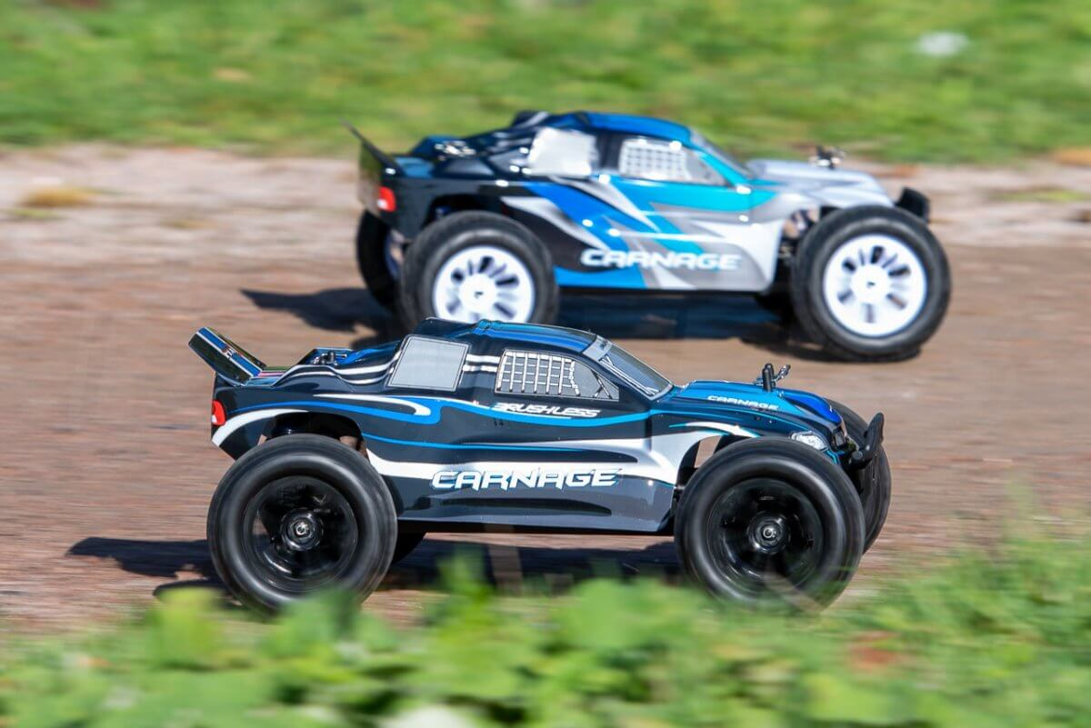 FTX Carnage Brushed versus Brushless comparison review racing catchup