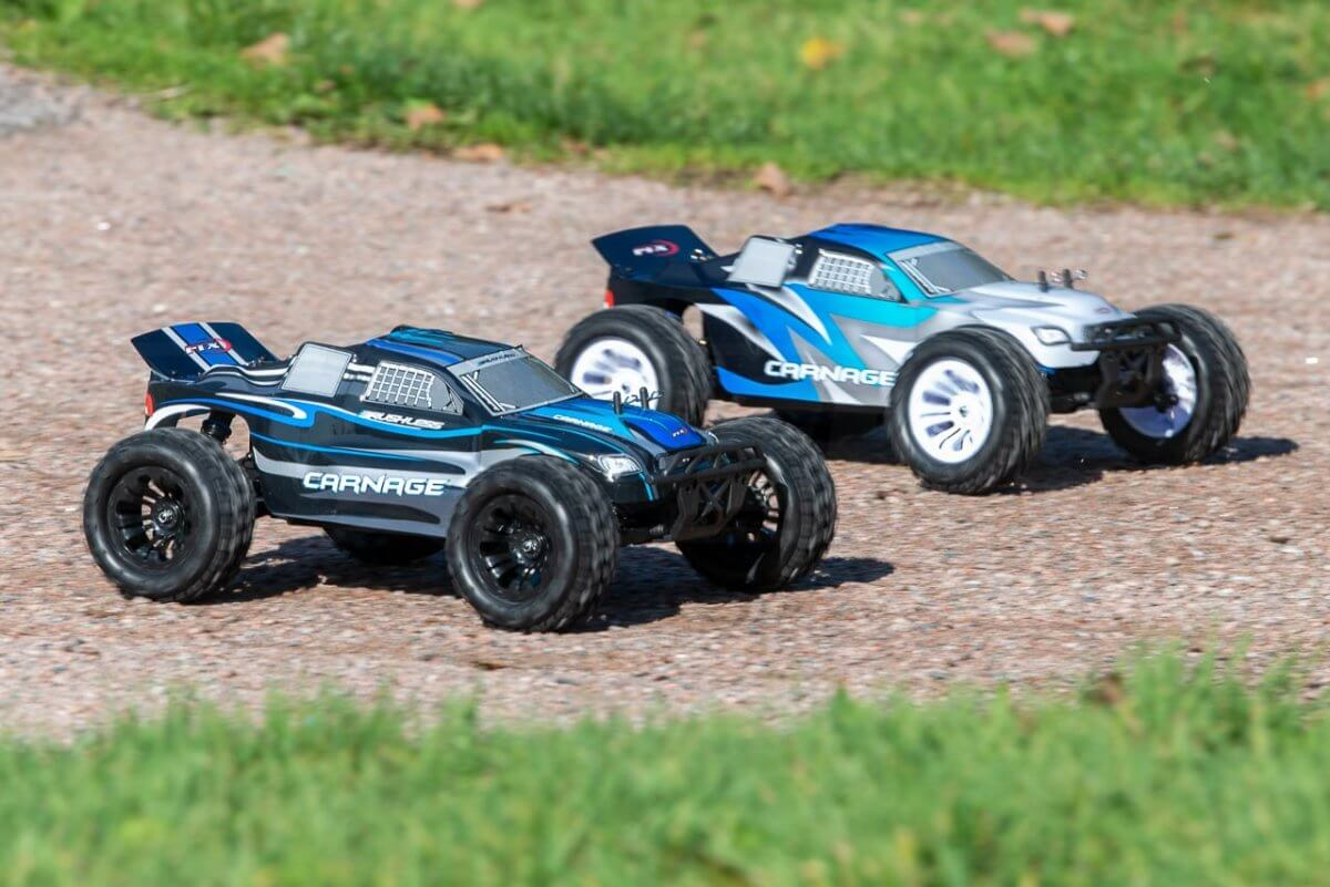 FTX Carnage Brushed versus Brushless comparison review racing start
