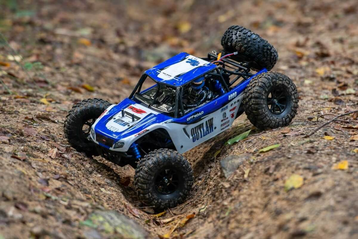 FTX Outlaw Ultra-4 Brushless Buggy Review articulation front