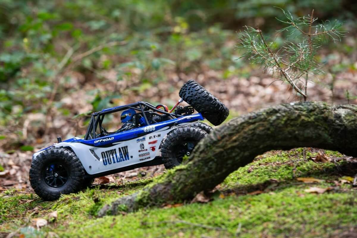 FTX Outlaw Ultra-4 Brushless Buggy Review behind log
