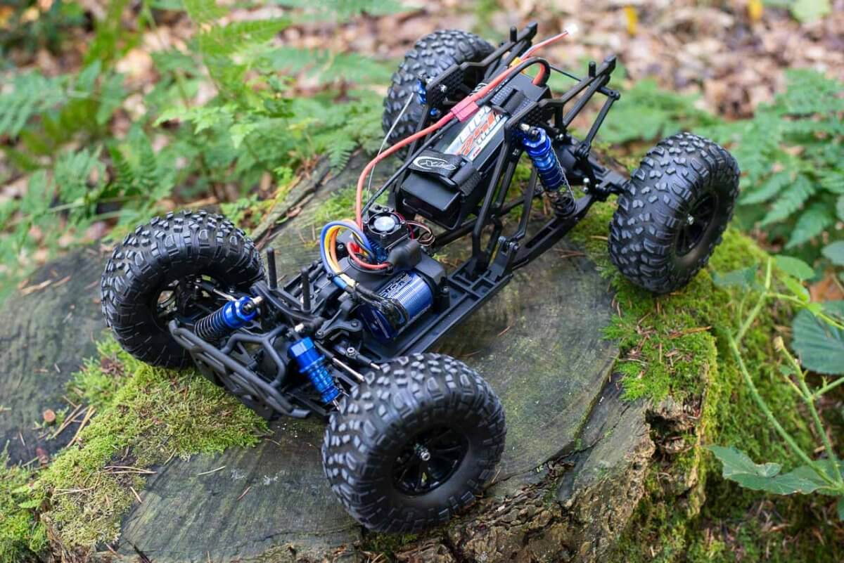 FTX Outlaw Ultra-4 Brushless Buggy Review chassis