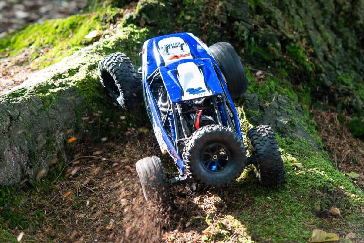 FTX Outlaw Ultra-4 Brushless Buggy Review climbing open diff