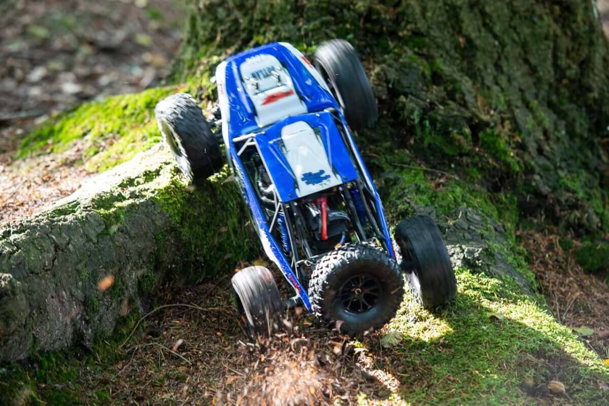 FTX Outlaw Ultra-4 Brushless Buggy Review climbing open diff success