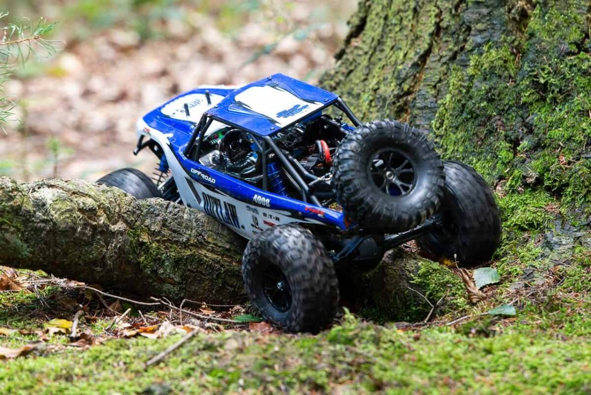 FTX Outlaw Ultra-4 Brushless Buggy Review ground clearance