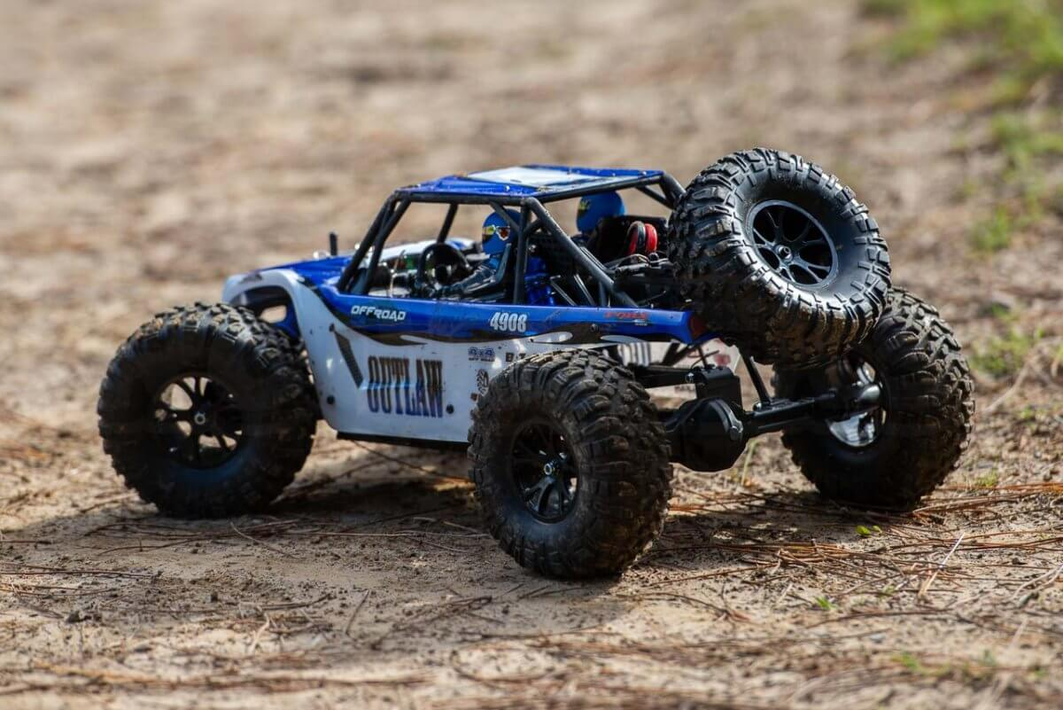 FTX Outlaw Ultra-4 Brushless Buggy Review muddied up rear