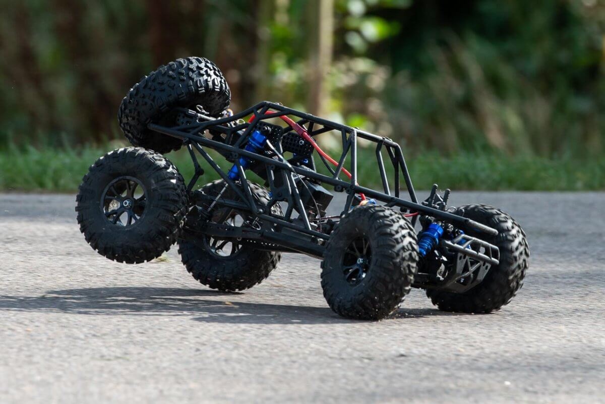 FTX Outlaw Ultra-4 Brushless Buggy Review naked chassis braking grip
