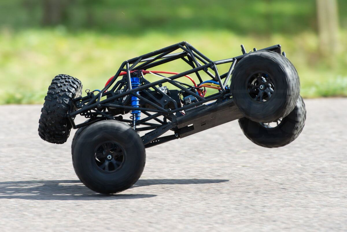 FTX Outlaw Ultra-4 Brushless Buggy Review naked chassis twist wheelie side