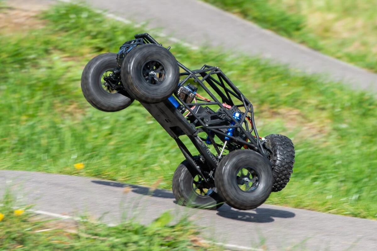 FTX Outlaw Ultra-4 Brushless Buggy Review naked landing on rear