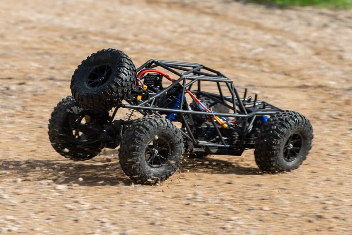 FTX Outlaw Ultra-4 Brushless Buggy Review naked on gravel