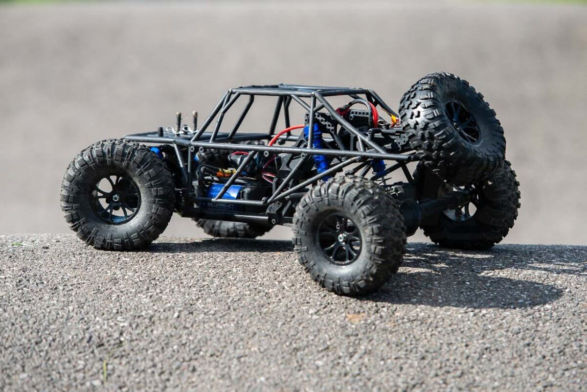 FTX Outlaw Ultra-4 Brushless Buggy Review naked rollcage rear