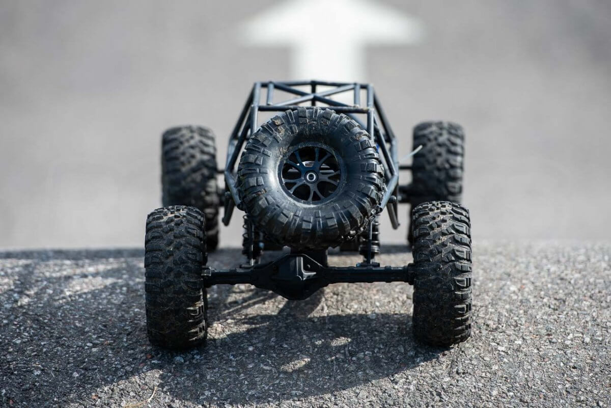FTX Outlaw Ultra-4 Brushless Buggy Review naked rollcage spare tyre