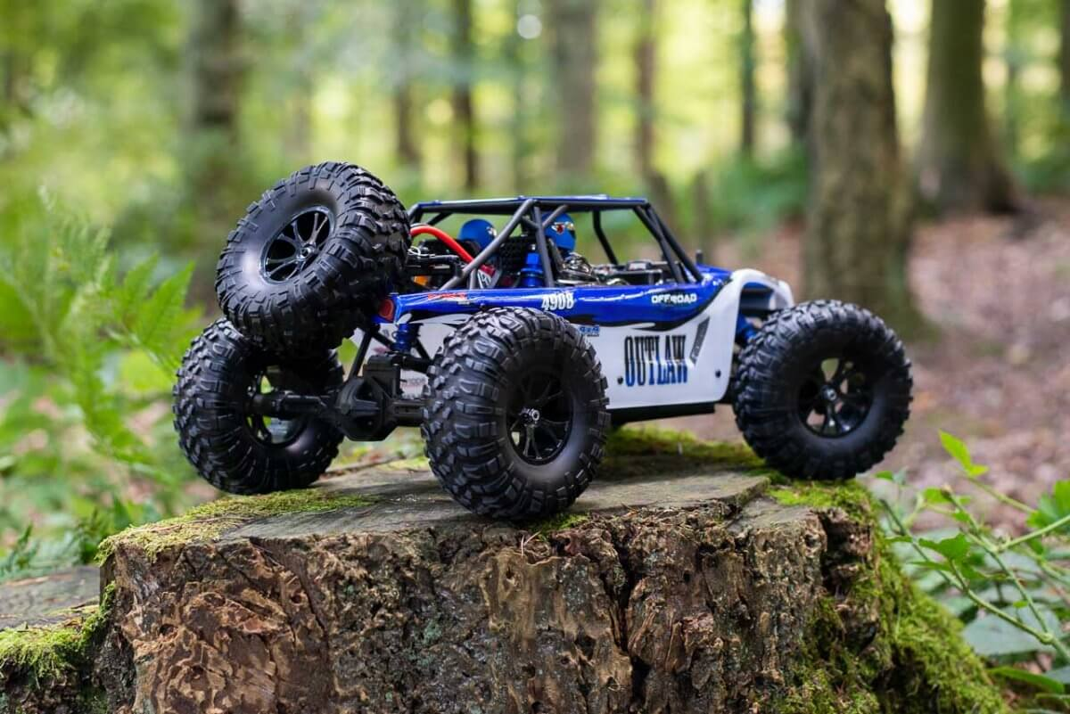 FTX Outlaw Ultra-4 Brushless Buggy Review rear on clean log