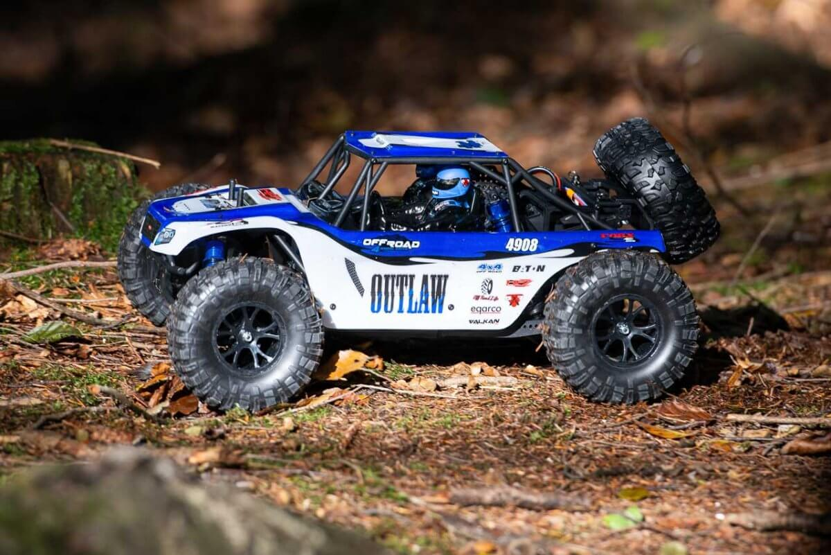 FTX Outlaw Ultra-4 Brushless Buggy Review side clean