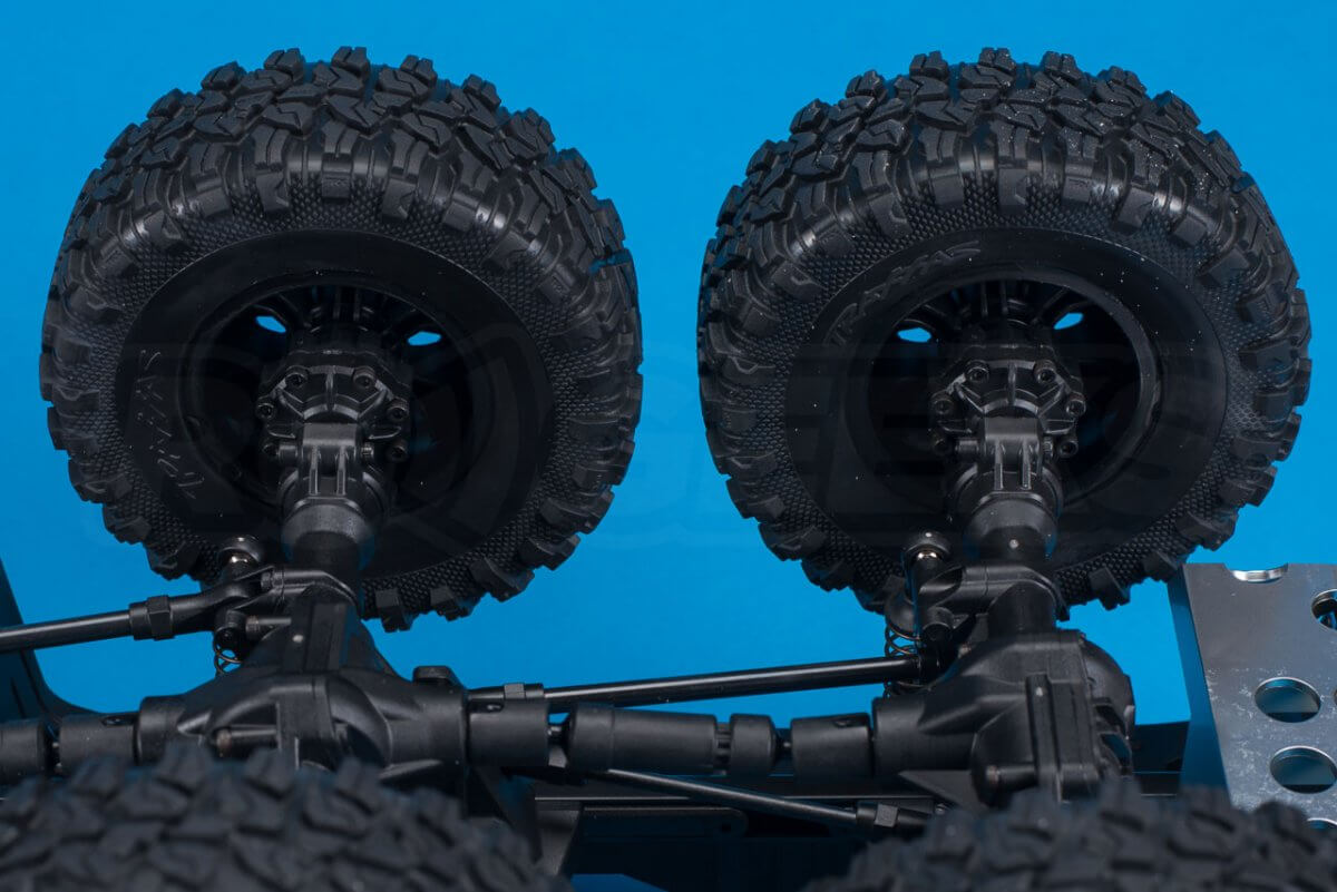 Traxxas TRX-6 Mercedes Benz G63 AMG Review chassis portal axles