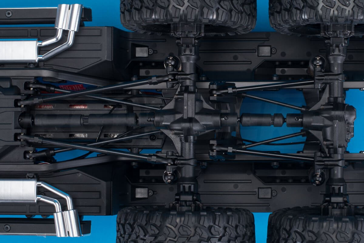 Traxxas TRX-6 Mercedes Benz G63 AMG Review chassis underside rear diffs
