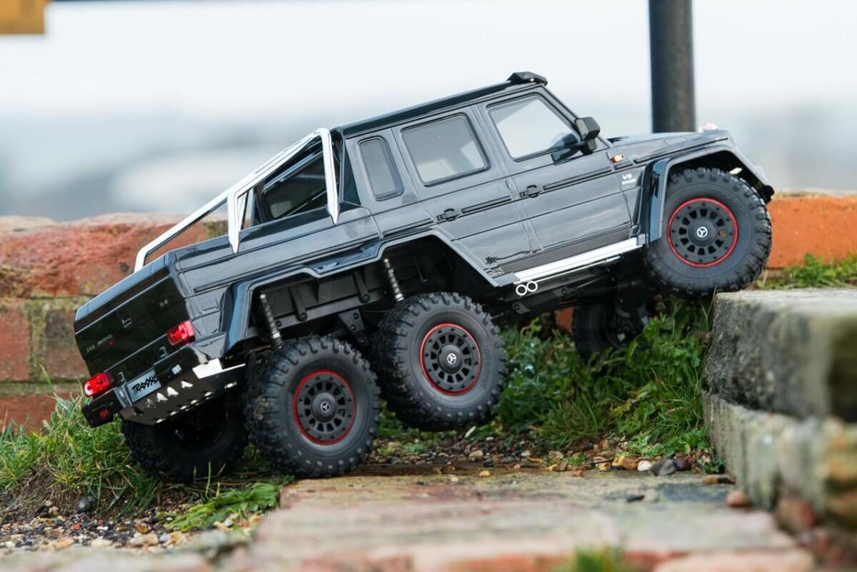 Traxxas TRX-6 Mercedes Benz G63 AMG Review climbing wall low three