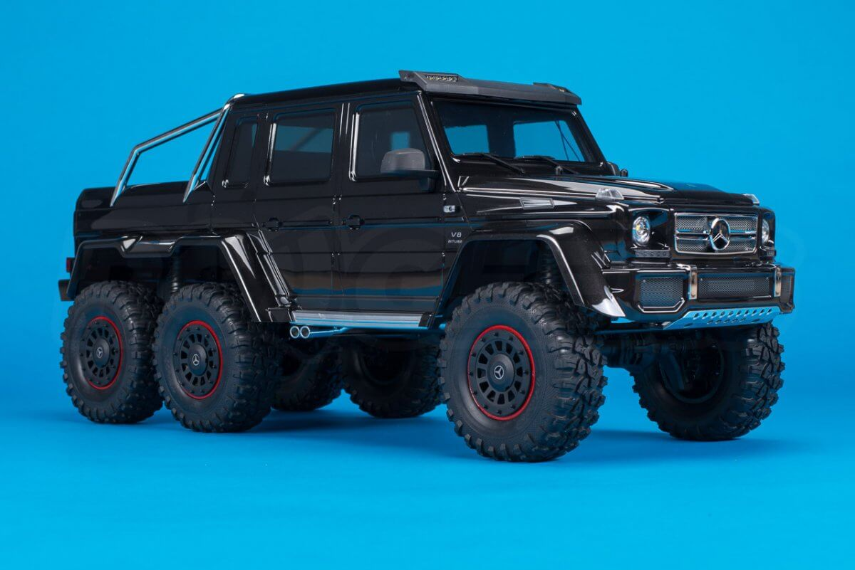 Traxxas TRX-6 Mercedes Benz G63 AMG Review front three quarter lower