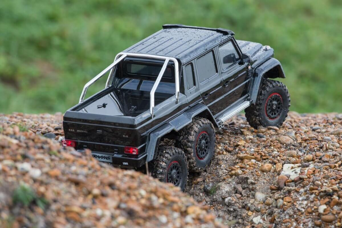 Traxxas TRX-6 Mercedes Benz G63 AMG Review gravel ditch climb three
