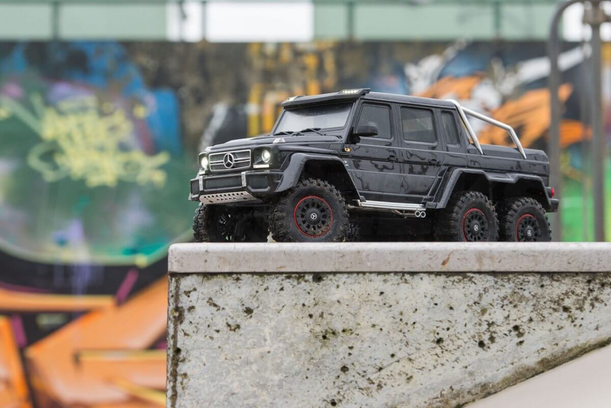 Traxxas TRX-6 Mercedes Benz G63 AMG Review skatepark crawling posed front