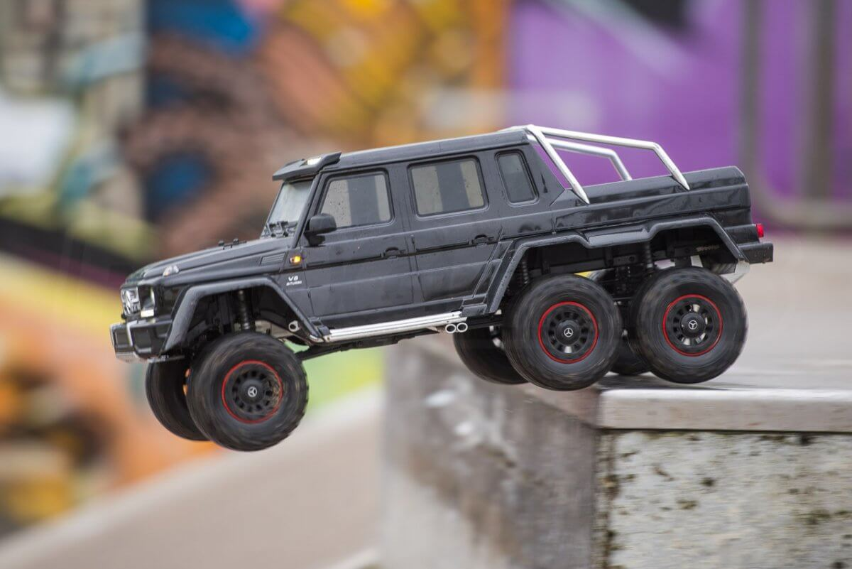 Traxxas TRX-6 Mercedes Benz G63 AMG Review skatepark the jump off